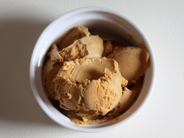 Salted_Caramel_Ice_Cream_1